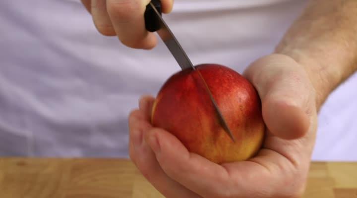 Steenfruit snijden