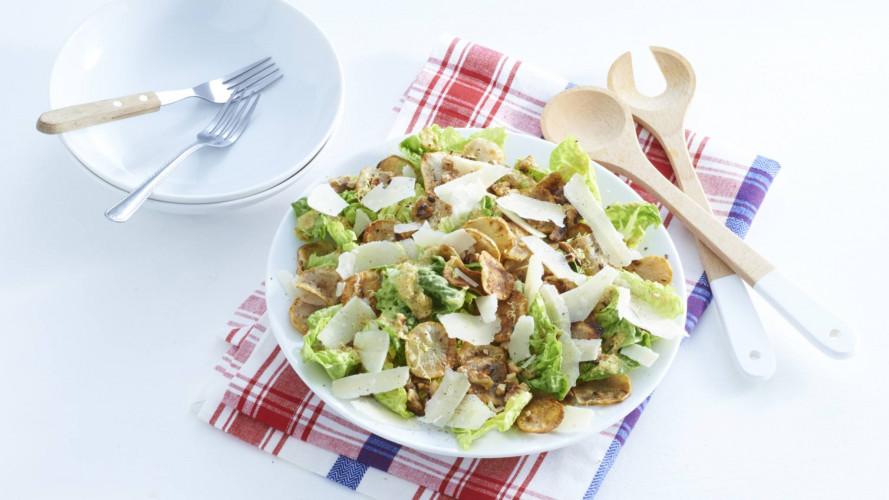 Salade met chips van aardperen