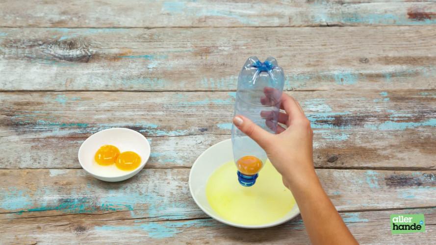 Eieren splitsen met een flesje