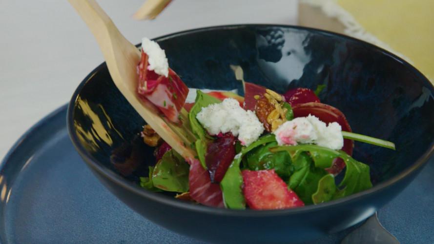 Salade met geroosterde pruimen