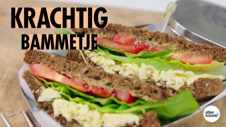 CLT sandwich met pulled chicken