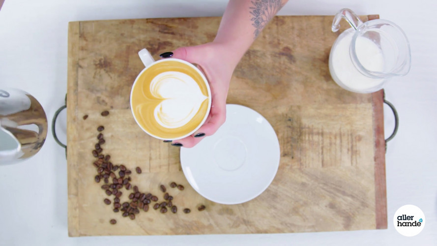 How to latte art: hartje in je cappuccino maken