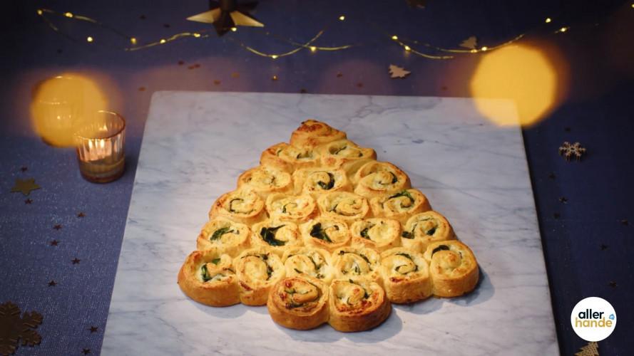 Kerstbrunch-kerstboom met kaas en spinazie
