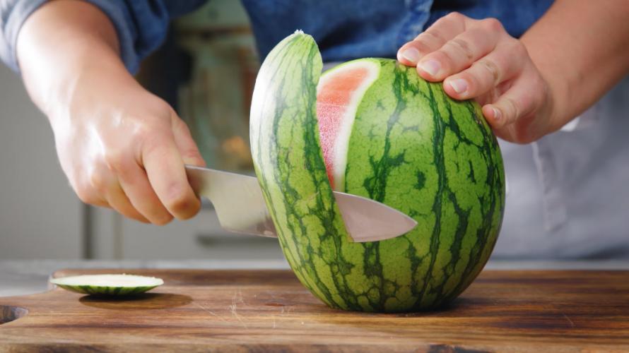 Watermeloen snijden